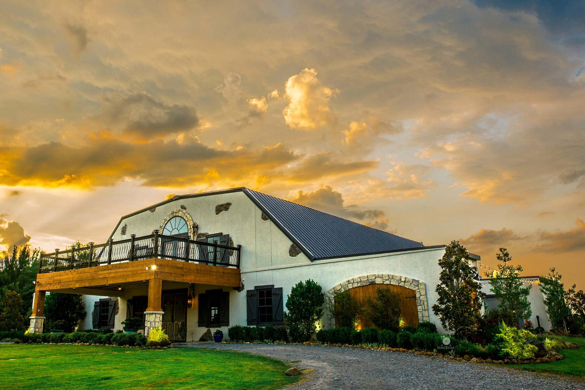 About The Venue - Outdoor Wedding Venue North Texas